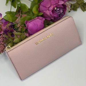 🌸Michael Kors LG Three QTR ZIP Wallet Blossom